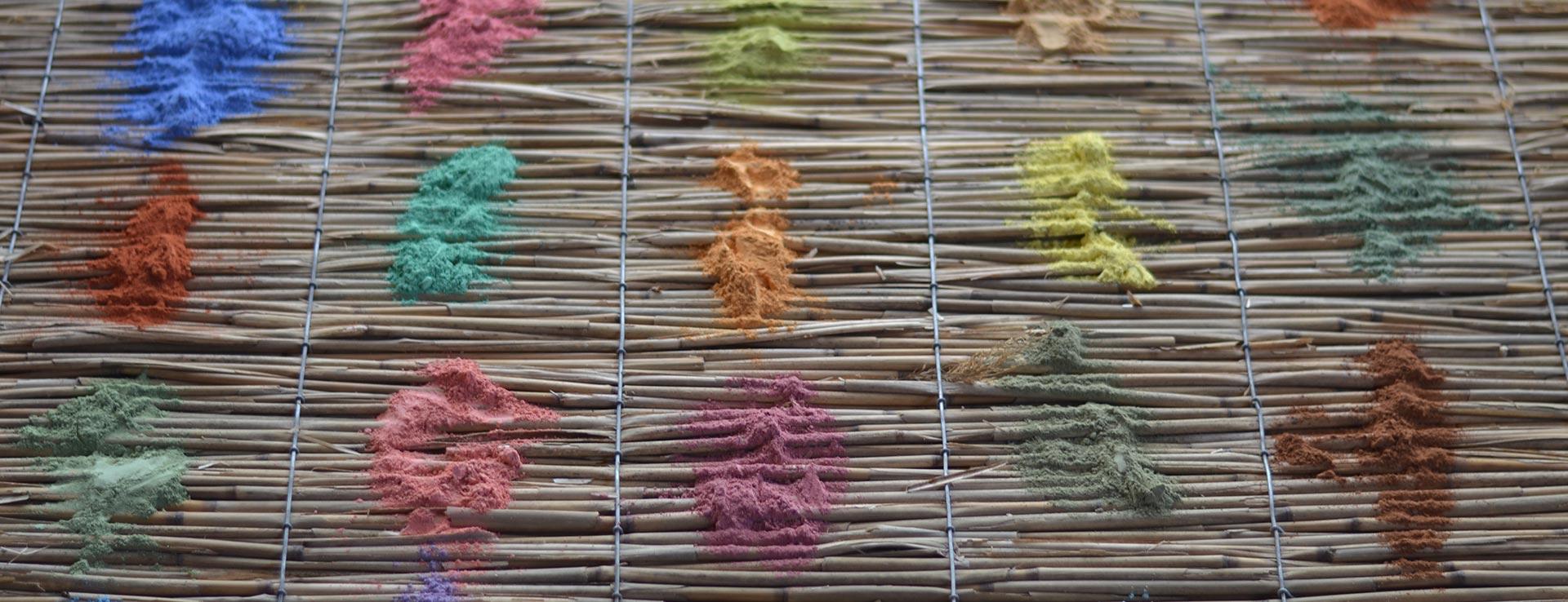Lehmfarben & Lehmstreichputze aus eigener Herstellung