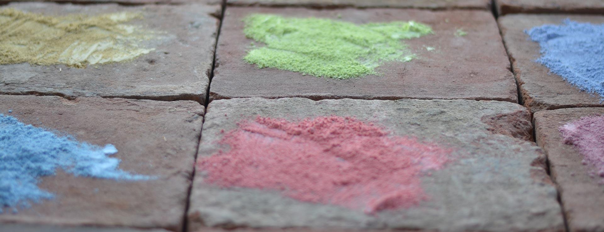 Lehmfarben & Lehmstreichputze in Pastell-Tönen